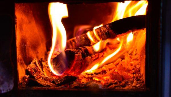 Poêle à double combustion : Pour les économes & écologistes