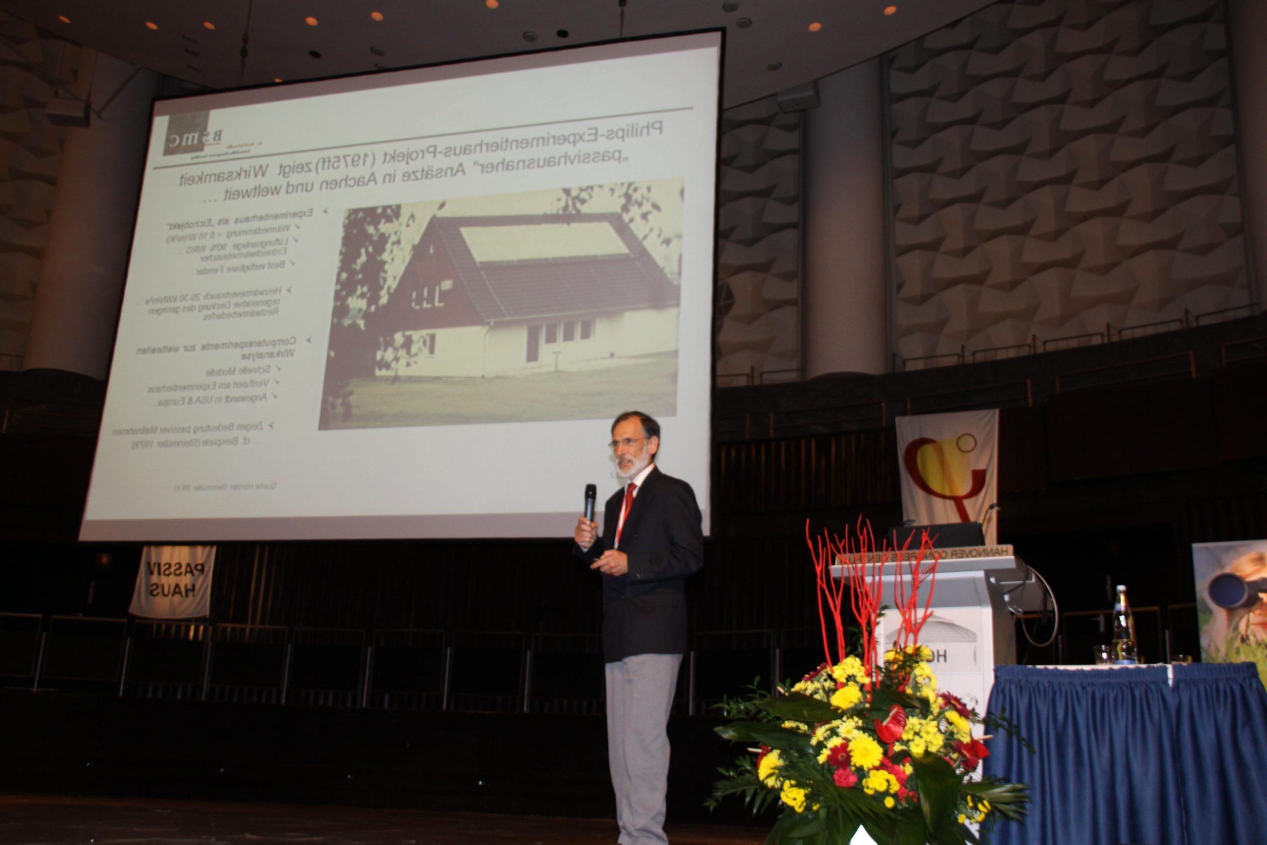 Entretien avec le pionnier des maisons passives, le Dr. Bernd Steinmüller