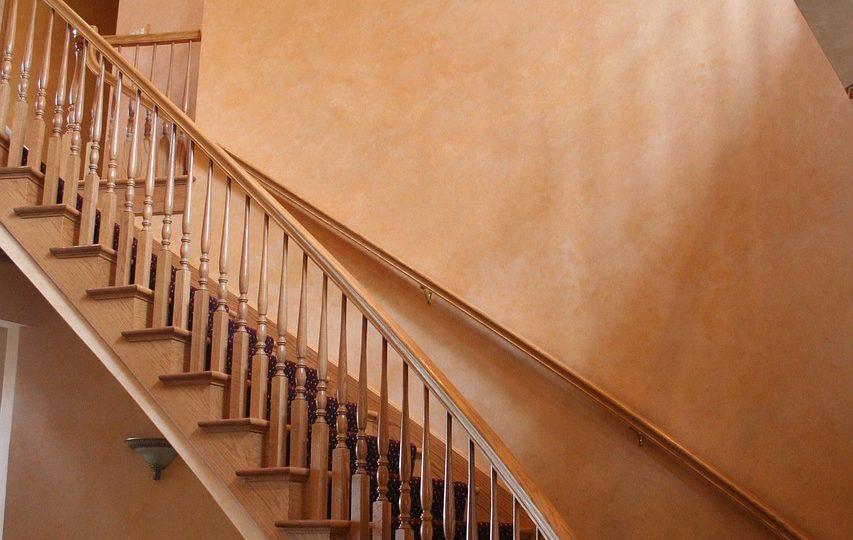 5 solutions pour réparer un escalier qui grince